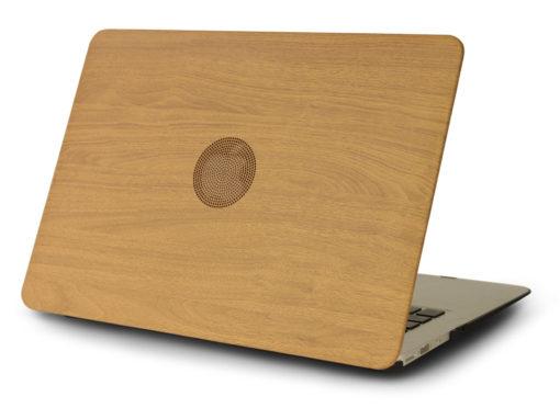 Obal s dreveným motívom pre MacBook